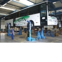 Heavy duty mobile column lifts - Discover our large range of columns to lift heavy vehicles.