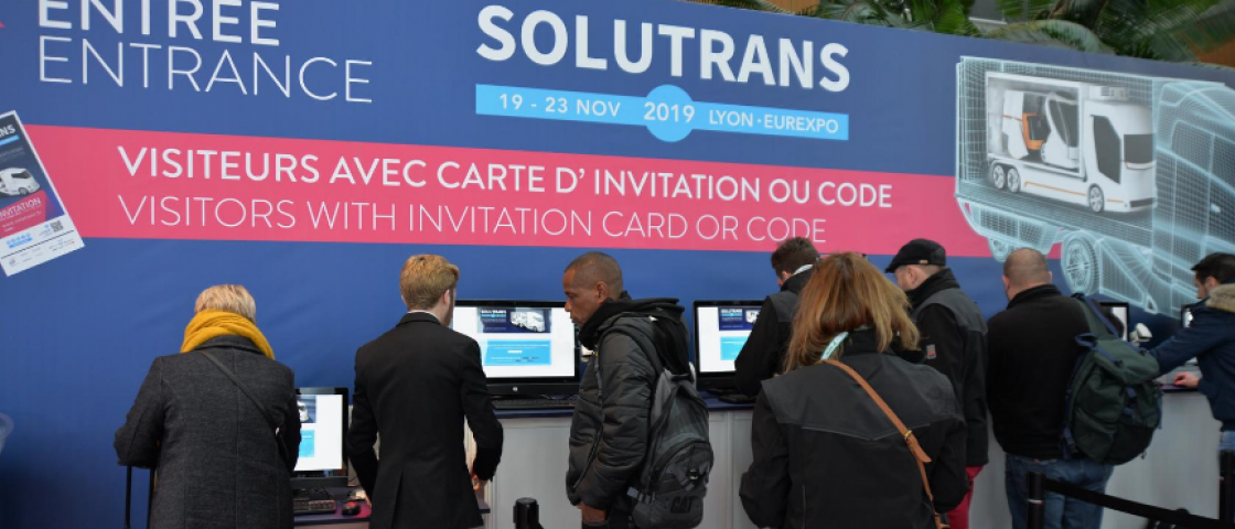 Visitors arriving at the SOLUTRANS exhibition