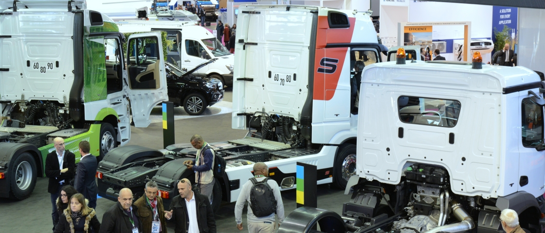 Aisles of the SOLUTRANS 2017 exhibition